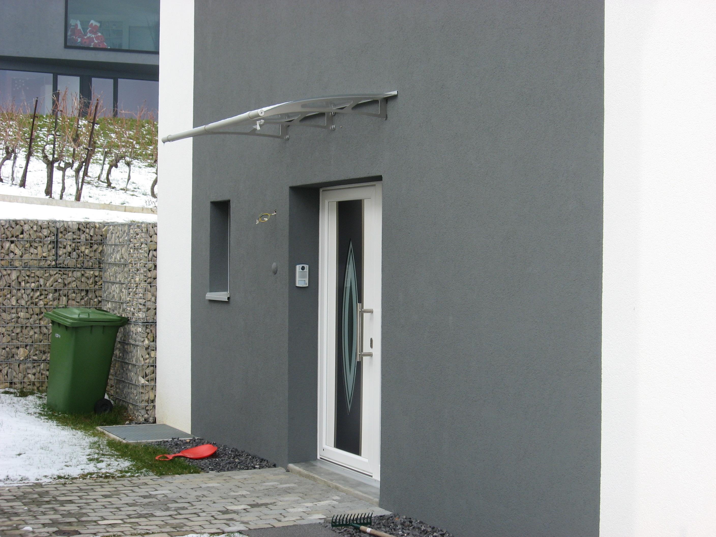 Marquise plexiglas rev tements modernes du toit for Auvent maison permanent
